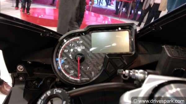 Aprilia RS 150 Vs  Yamaha R15 V3 Comparison: Design, Specs, Features