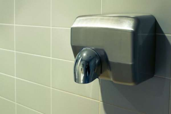 Do hand dryers hurt kids' ears? 13-year-old girl's study offers