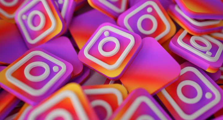 Magento 2 Instagram Integration Extension by Magenest
