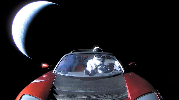 This Website Lets You Track Elon Musk's Sports Car Through