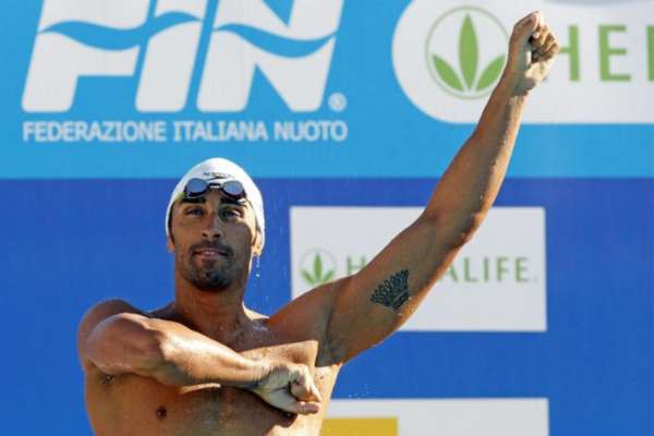 Sea Rescue: Olympic Swimmer Filippo Magnini Saves Drowning