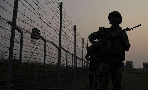 Pakistani troops violates ceasefire in J-K's Rajouri, Poonch