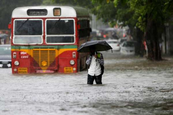 BEST Buses Resume Operations as Monsoon Takes a Break in