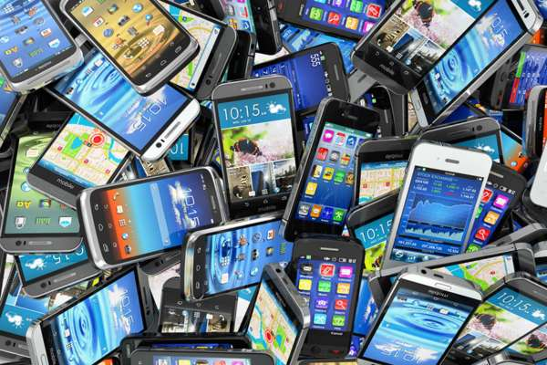 Apple, Samsung Facing Lawsuit in USA Over Allegations of