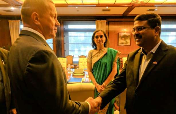 India wants Russian help to control global oil and gas