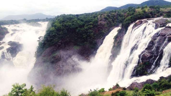 Road to Iruppu Falls caves-in due to landslides - Star of