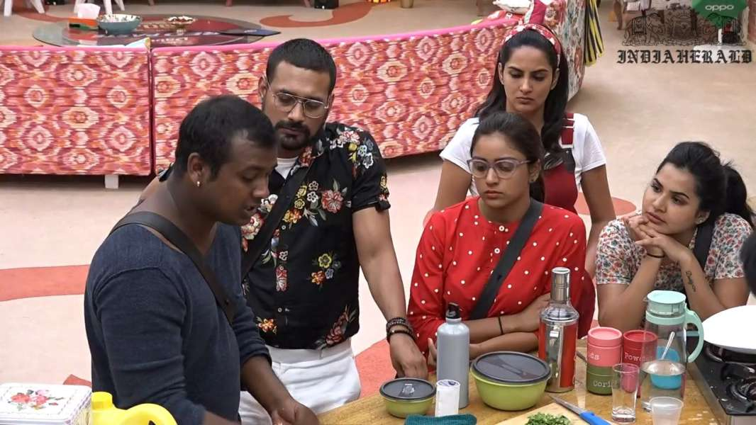 Bigg Boss Telugu Season 3 Day 4 Hot Stills Set 1 - ApHerald